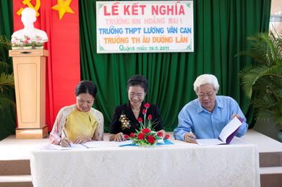 Himlam Trường mầm non Hoàng Mai 1 kết nghĩa với trường PTTH Lương Văn Can và Trư…