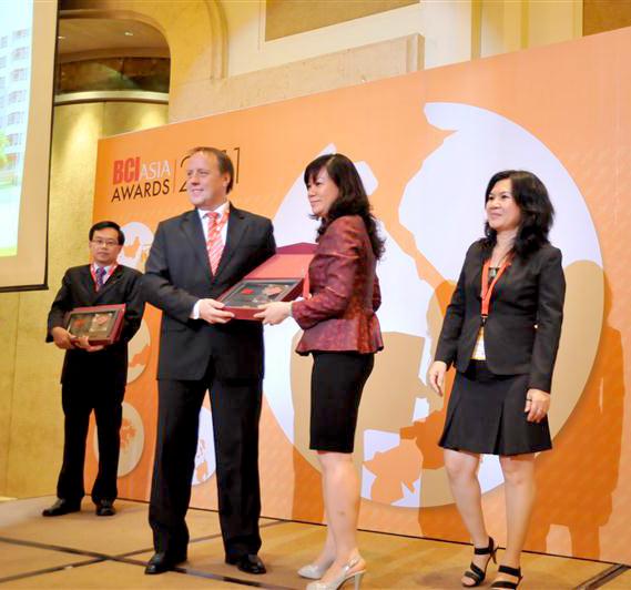 Công ty CP Him Lam là một trong 10 chủ đầu tư năng động nhất năm 2011