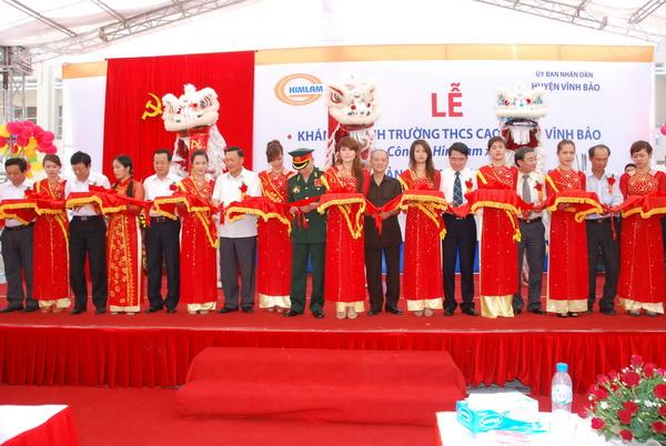 Công ty cổ phần Him Lam khánh thành trường THCS Cao Minh (xã Cao Minh, huyện Vĩn…