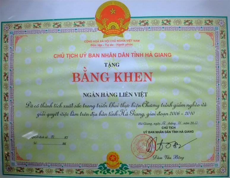 Ngân hàng Liên Việt được trao tặng Bằng khen vì thành tích giúp xóa đói giảm ngh…