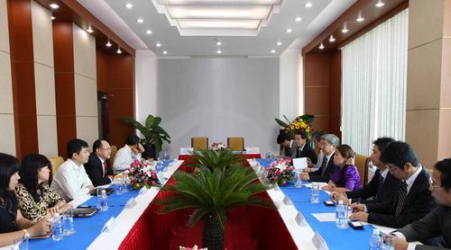 Tổng Giám đốc Aeon Mall thăm và làm việc với lãnh đạo Công ty cổ phần Him Lam