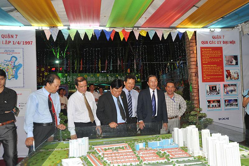 Him Lam tham gia lễ hội xuân: Thành phố Hồ Chí Minh đón chào năm mới 2013